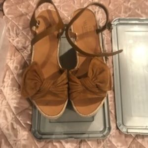VALENTINO SUEDE TROPICAL BOW WEDGE ESPADRILLE 7.5